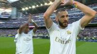 Benzema decide o derbi diante do Atlético e dispara o Real Madrid