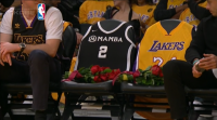 O Staples Center rende homenaxe a Kobe Bryant