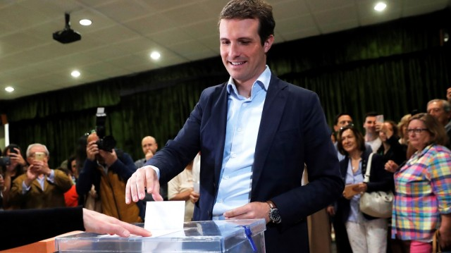 Pablo Casado, presidente do Partido Popular, votou no Colexio do Pilar, en Madrid