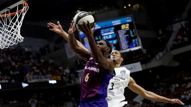 O Barcelona gaña a final da Copa do Rei de baloncesto diante do Real Madrid (93-94)
