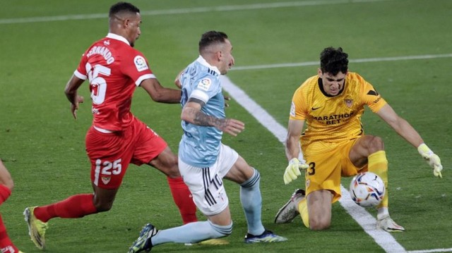 O Sevilla cobra os erros defensivos do Celta nun partido tolo (3-4)
