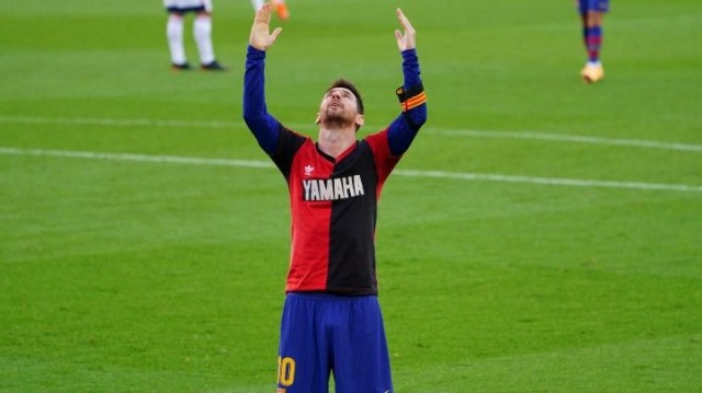 Goleada do Barcelona con adicatoria de Messi a Maradona