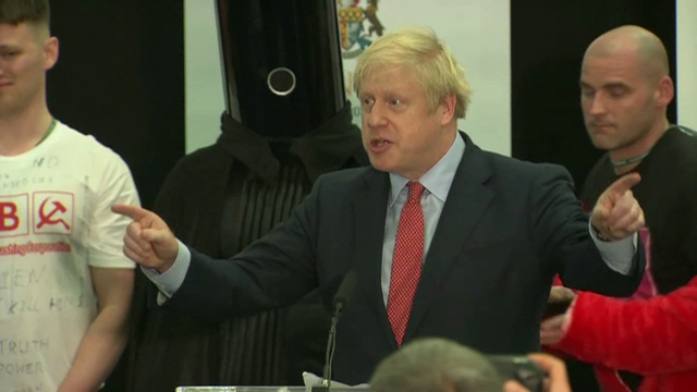A contundente vitoria de Boris Johnson despexa o camiño do 'brexit'